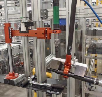 stanowiska montażowe sprężarek do silników samochodowych