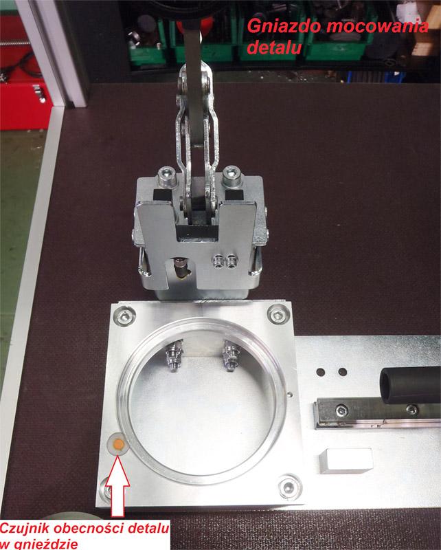 Montaż obudowy sprężarki